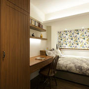 小户型卧室整体书桌欣赏