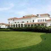 自然舒适:大型高尔夫私人会所装修效果图