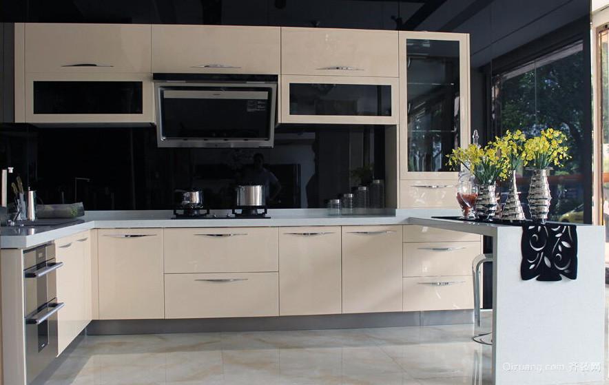 2016欧式风格大户型不锈钢橱柜装修效果图