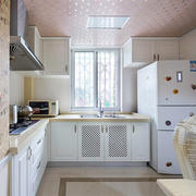 室内厨房简约装饰