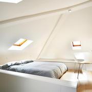 小户型卧室天窗展示