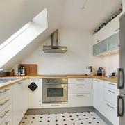 阁楼现代化厨房