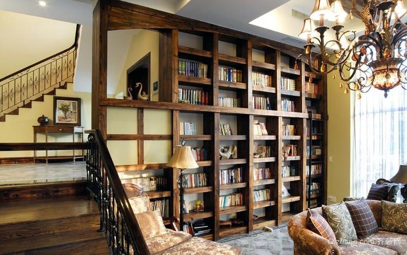 别样风情:复古客厅背景墙书柜装修图