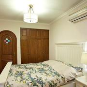 田园卧室壁柜设计