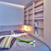 单身公寓榻榻米卧室床