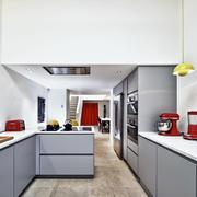 复式楼厨房不锈钢橱柜