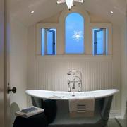 现代欧式大户型卫生间背景墙装修效果图