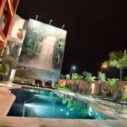 酒店户外游泳池欣赏