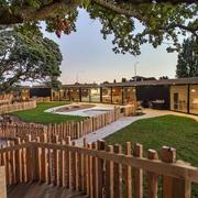 幼儿园大型庭院布置
