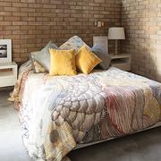 2016都市宜家三居室卧室装修效果图案例