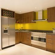 厨房温馨实木橱柜