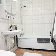 单身公寓白色简约小浴室装修效果图