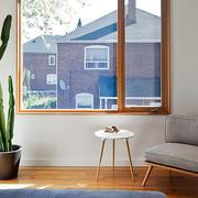 大户型唯美的现代卧室飘窗装修效果图