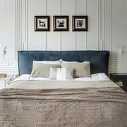小户型卧室床头装饰欣赏