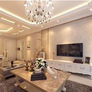 暖色调温馨客厅图片