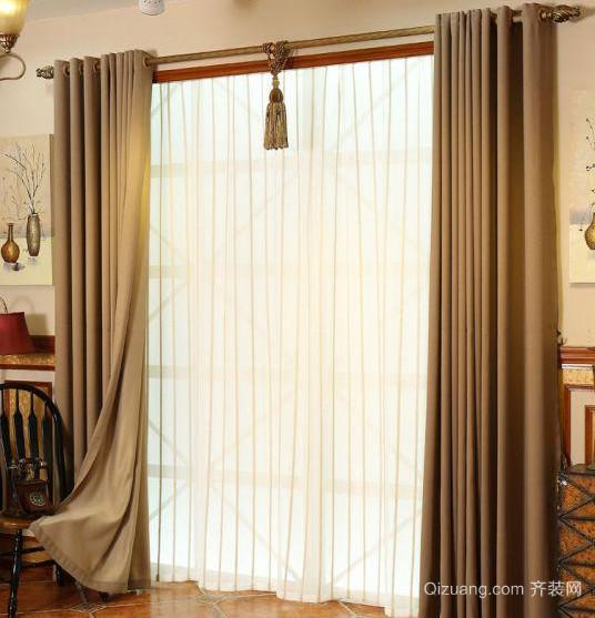 独特的别墅型欧式客厅窗帘装修效果图