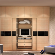 2016三居室欧式唯美的整体衣柜装修效果图