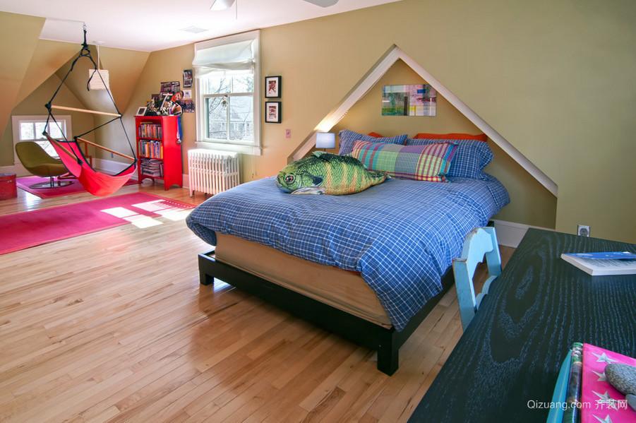 2016舒适别致的阁楼卧室装修效果图