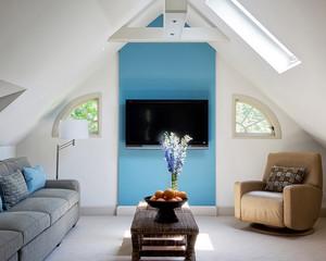 现代阁楼小客厅电视墙装修效果图