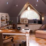 自然朴素的大阁楼书房装修效果图