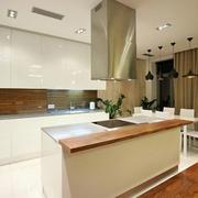 两室一厅现代厨房欣赏