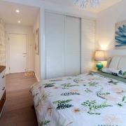 小户型卧室推拉门衣柜设计