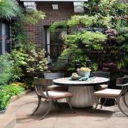 庭院餐桌椅布置图片