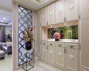 两室一厅新房精致玄关壁柜装修效果图