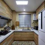 小户型U字型厨房展示