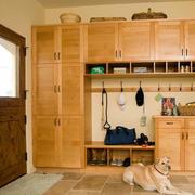实木自然风格的鞋柜