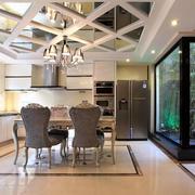 大别墅简欧风格餐厅玻璃吊顶效果图