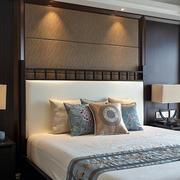 典雅中式卧室床头欣赏