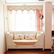 大户型小公主粉色卧室田园飘窗装修图