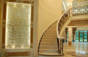 独特的三居室地中海风格室内楼梯装修效果图