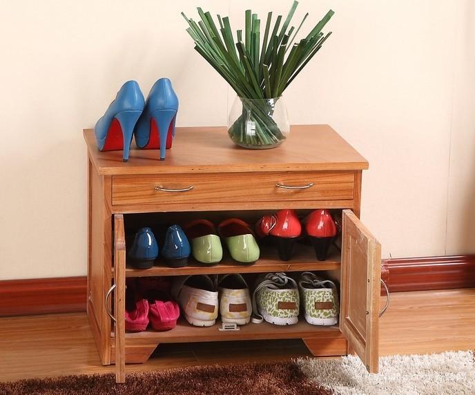 单身公寓自然实木小鞋柜装修效果图