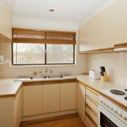 米黄色韩式小户型厨房装修设计效果图