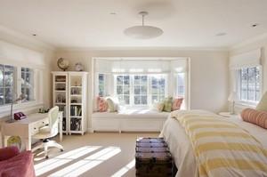 复式楼轻快舒适卧室飘窗设计效果图
