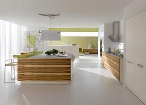 超时尚的韩式别墅厨房装修设计效果图