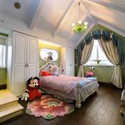 室内阁楼甜美小卧室
