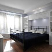 两室一厅卧室床头柜