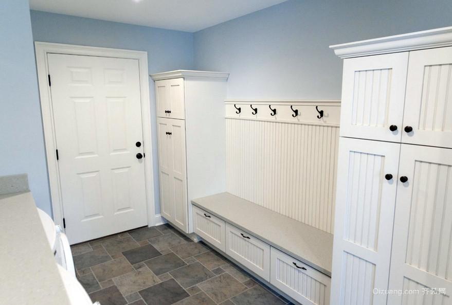 110平米家庭白色简约玄关装修效果图