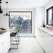 复式楼白色简约厨房