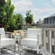 联排别墅后现代风格阳台设计装修效果图