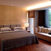 朴素优雅的大卧室飘窗设计装修效果图