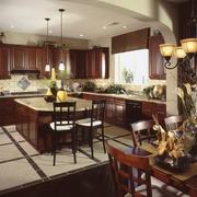 复古深色系大厨房橱柜设计装修效果图
