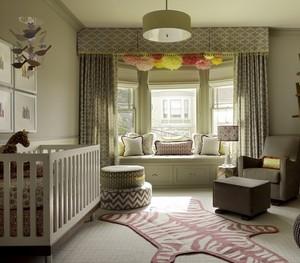 朴素温馨的婴儿房飘窗设计装修效果图