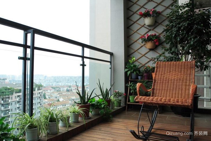 古典舒适的小阳台装修实景效果图