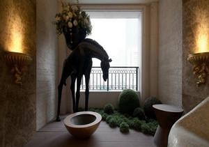 特有艺术气息的古典小阳台装修图片
