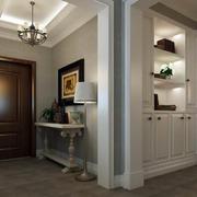 新古典132平米家居玄关装修设计效果图