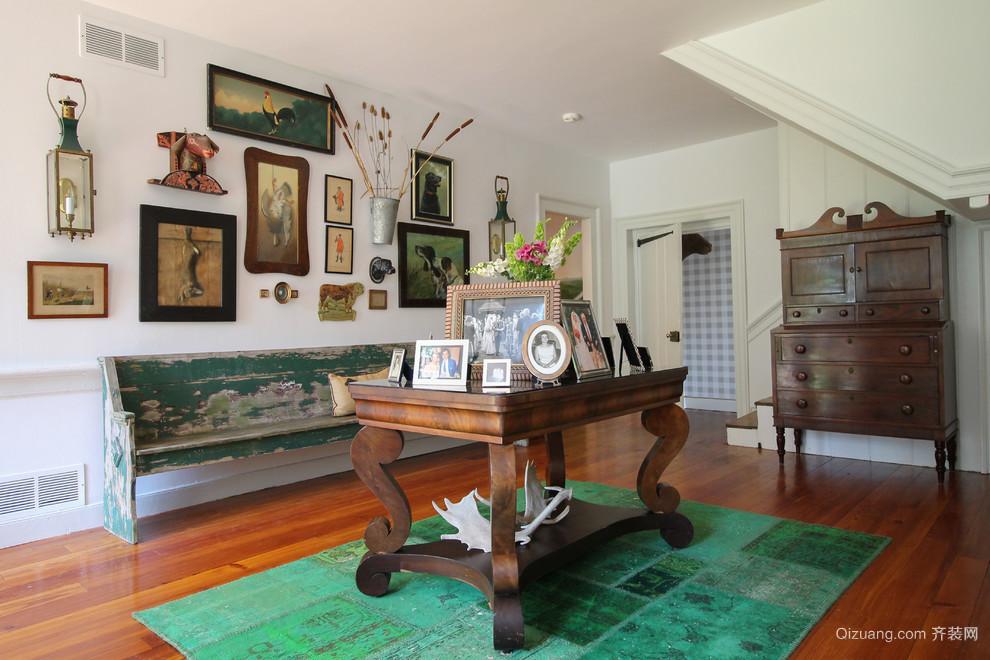 复古小复式楼家居照片墙设计效果图